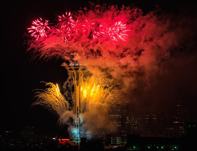 Space Needle Fireworks NYE