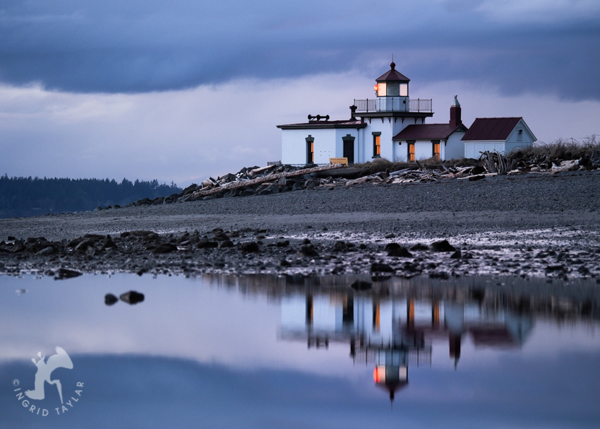 Discovery Park lighthouse reflection