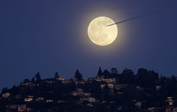 Last Full Moon of 2020 over Oakland, California